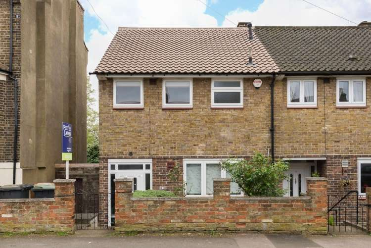 3 Bedrooms End Of Terrace House for sale in Ronver Road Lee SE12