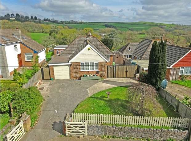 3 Bedrooms Detached Bungalow for sale in Whitestone, EXETER, Devon