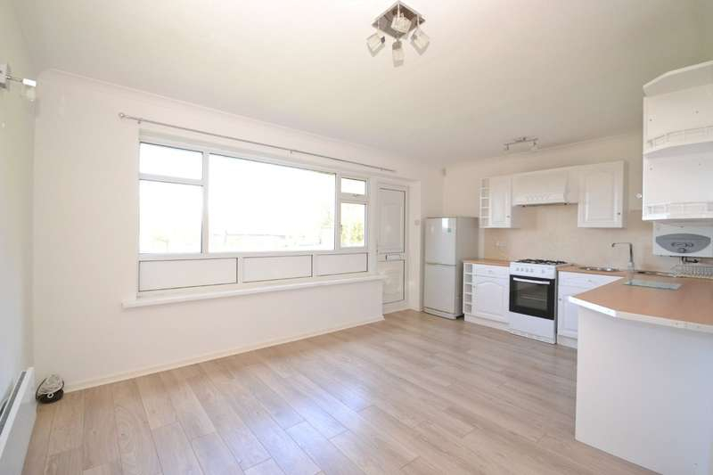 2 Bedrooms Semi Detached Bungalow for sale in Gurnard, Isle Of Wight