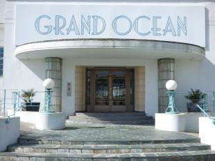 1 Bedroom Flat for sale in Grand Ocean Building, Longridge Avenue, Saltdean, Brighton