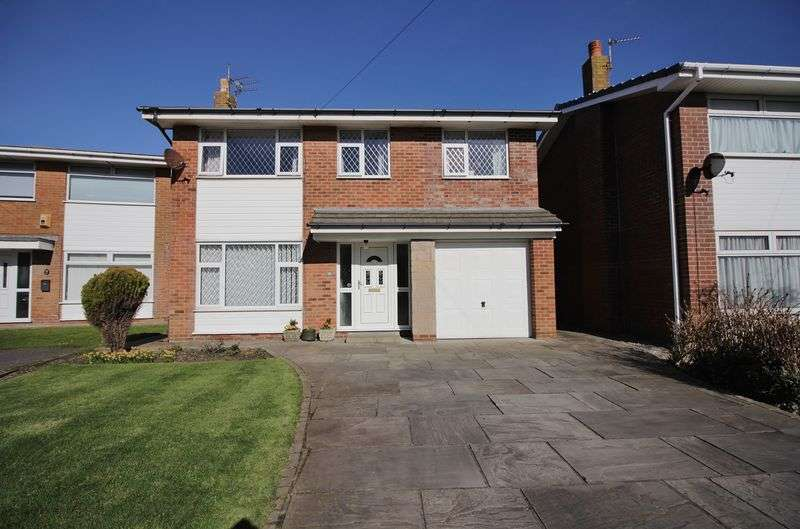 5 Bedrooms Detached House for sale in 10 Ainsdale Avenue, Rossall, Fleetwood, Lancs FY7 8HT