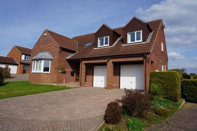 4 Bedrooms Detached House for sale in Meadow Dene, East Ayton, Scarborough, YO13 9EL