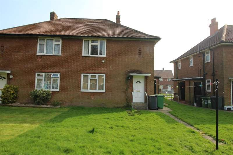 1 Bedroom Flat for sale in Latchmere Drive, Leeds, LS16