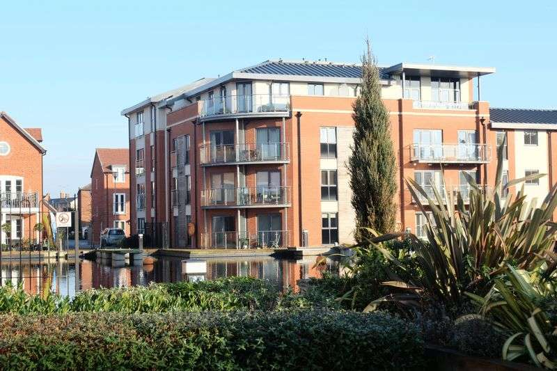 1 Bedroom Flat for sale in Larch Way, Stourport-On-Severn DY13 9EJ