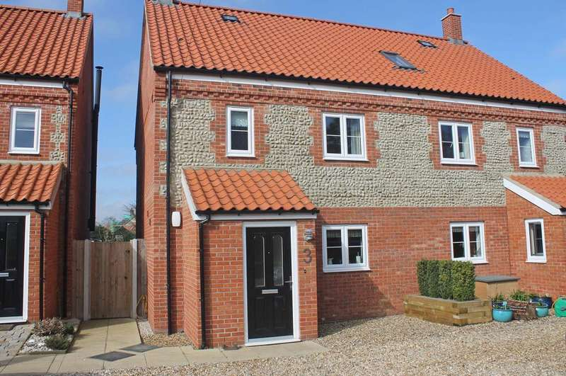 3 Bedrooms Semi Detached House for sale in Morston Road, Blakeney NR25