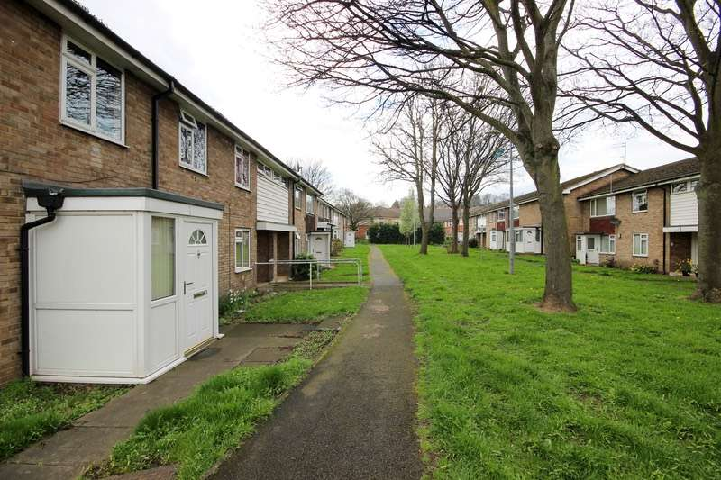 2 Bedrooms Flat for sale in Ashworth Close, Dewsbury, West Yorkshire, WF13