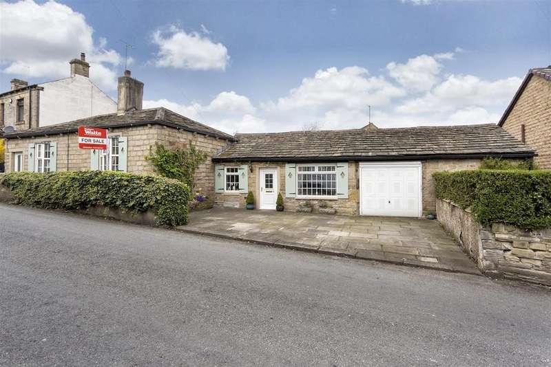 2 Bedrooms Detached Bungalow for sale in Moor Lane, Gomersal, BD19 4LF