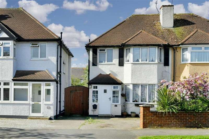 3 Bedrooms Semi Detached House for sale in Poole Road, West Ewell, Surrey