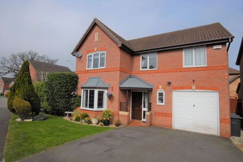 4 Bedrooms Detached House for sale in Demontfort Way, Uttoxeter