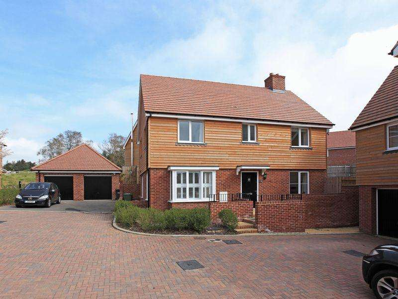 4 Bedrooms Detached House for sale in Queenstock Lane, Buxted, East Sussex