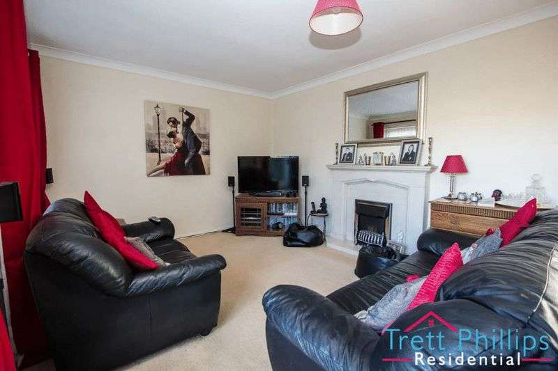 4 Bedrooms Semi Detached House for sale in Millside, Stalham