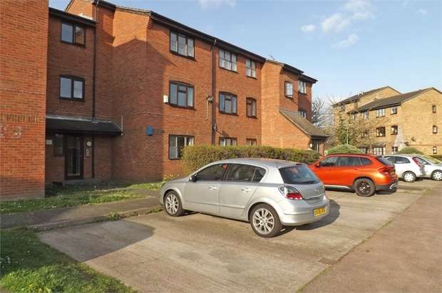 1 Bedroom Flat for sale in Falcon Avenue, Grays, Essex