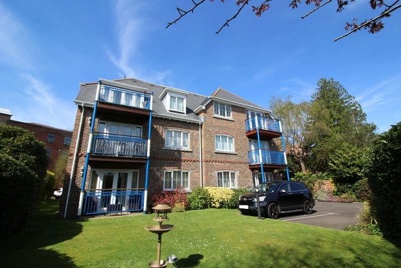 2 Bedrooms Apartment Flat for sale in Grosvenor Road, Westbourne, Bournemouth BH4 8BQ