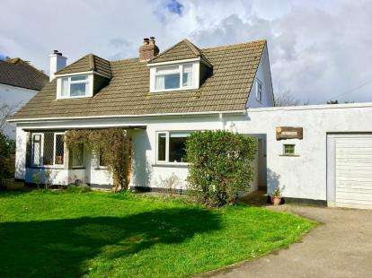 4 Bedrooms Bungalow for sale in St. Day, Redruth, Cornwall