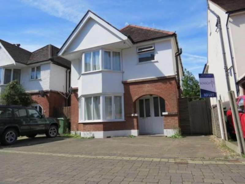 4 Bedrooms Detached House for rent in Camberley, Surrey