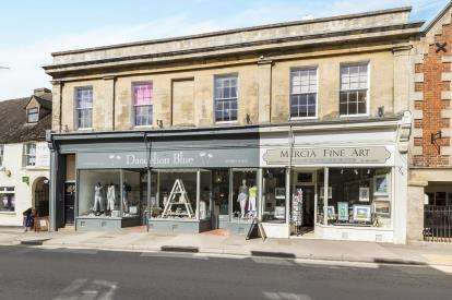 3 Bedrooms Flat for sale in The Emporium, High Street, Winchcombe, Cheltenham