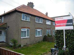 2 Bedrooms Maisonette Flat for sale in Coulsdon Road, Caterham, Surrey