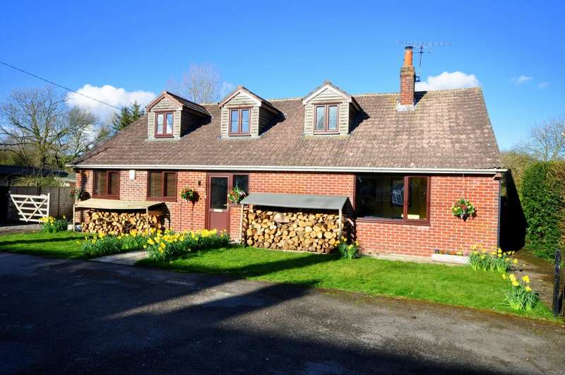 5 Bedrooms Detached House for sale in Damerham, SP6 3EU