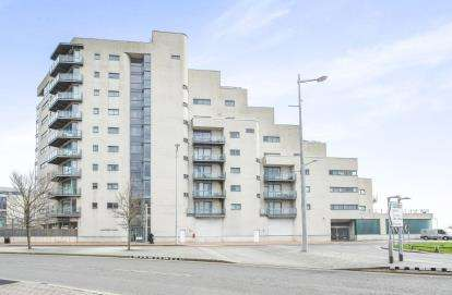 1 Bedroom Flat for sale in Watermark, Ferry Road, Cardiff, Caerdydd