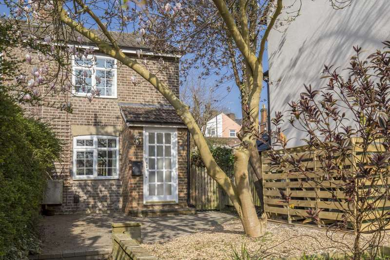 2 Bedrooms End Of Terrace House for sale in George Street, Berkhamsted