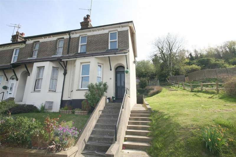 3 Bedrooms Semi Detached House for sale in Dacre Gardens, Upper Beeding, Steyning