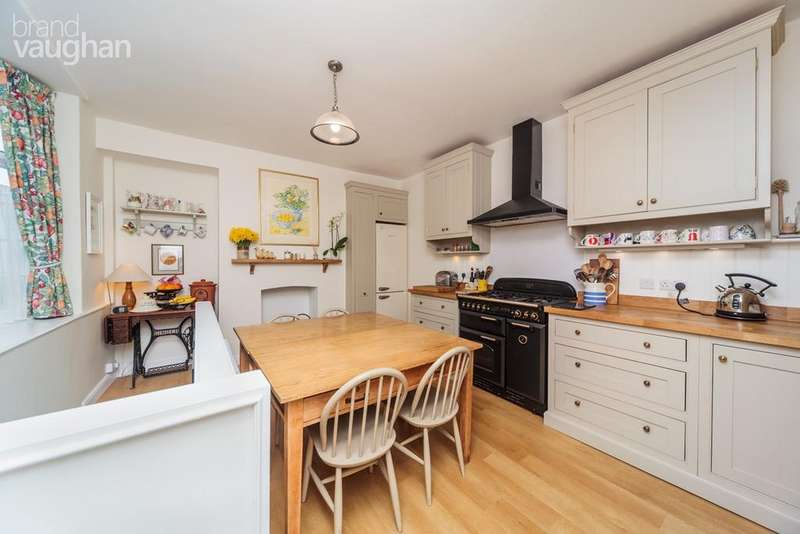 3 Bedrooms Terraced House for sale in Upper Market Street, Hove, BN3