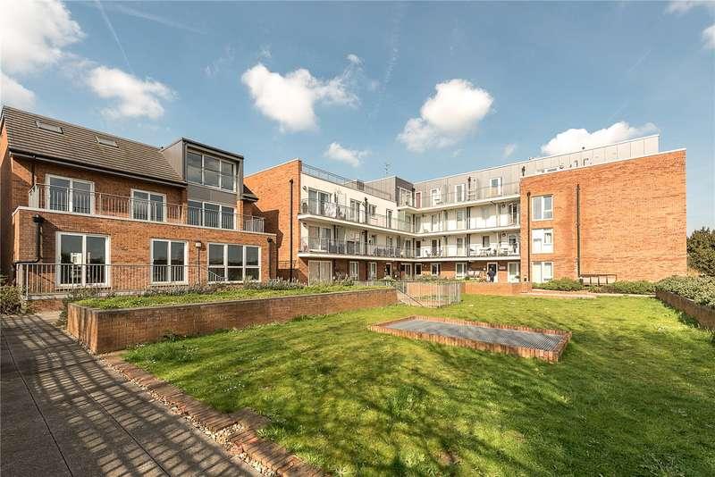 1 Bedroom Flat for sale in Holdsworth Lodge, 66 Lankaster Gardens, London, N2