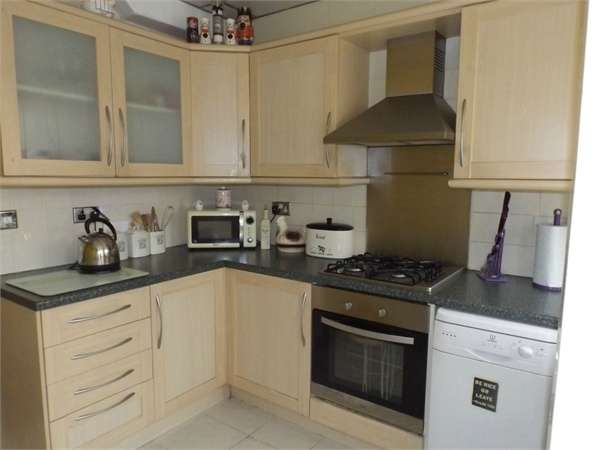 3 Bedrooms Semi Detached House for sale in Queensway, Blackpool, Lancashire