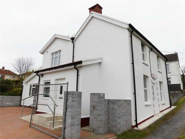 3 Bedrooms Detached House for sale in Pleasant View, Trimsaran, Kidwelly, Carmarthenshire