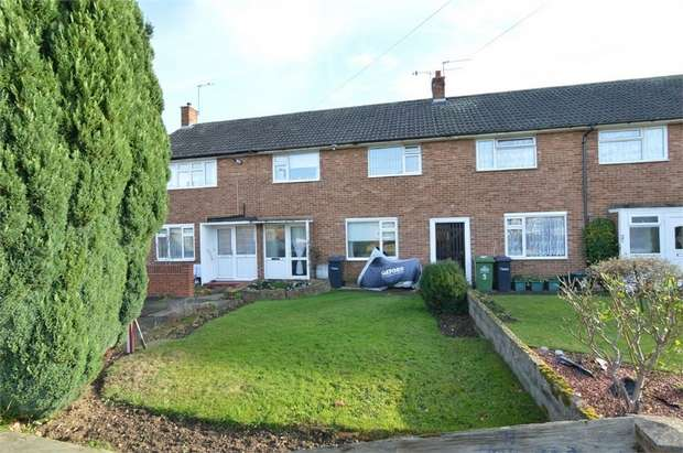 3 Bedrooms Terraced House for sale in Clement Road, Cheshunt, Hertfordshire