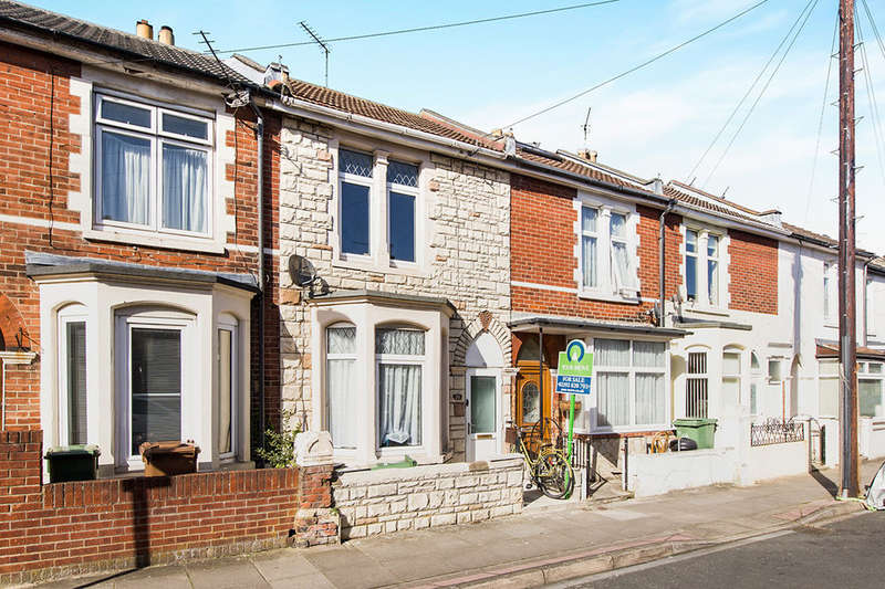 2 Bedrooms Property for sale in Walmer Road, Portsmouth, PO1