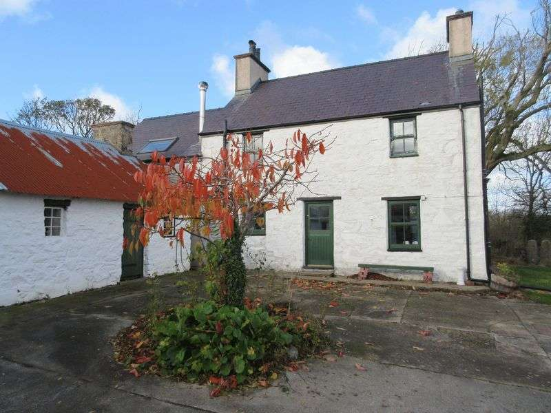 3 Bedrooms Property for sale in Parc, Llandyfrydog