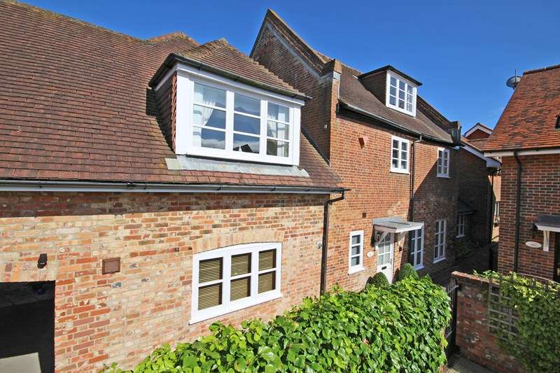 3 Bedrooms Mews House for sale in Lake Grove Road, New Milton