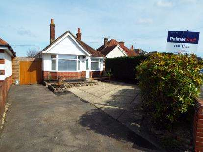 2 Bedrooms Bungalow for sale in Poole