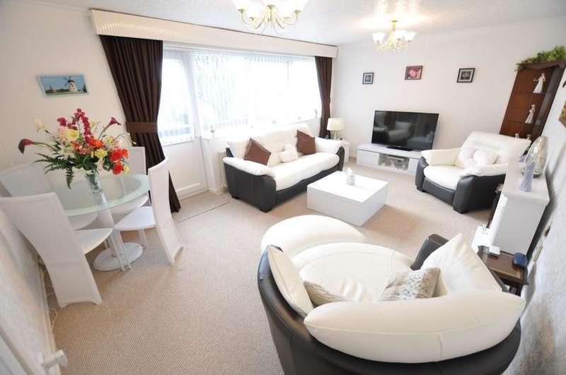2 Bedrooms Maisonette Flat for sale in Eldon Court, Glen Eldon Road, St Annes, Lytham St Annes, Lancashire, FY8 2BH