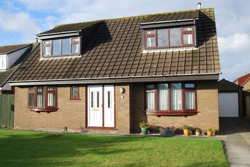 3 Bedrooms Detached House for sale in Benbow Close, St Annes, Lancashire, FY8 2TB