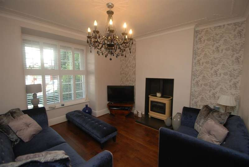 3 Bedrooms Semi Detached House for sale in Coronation Avenue, Gee Cross, Hyde, SK14 5HR