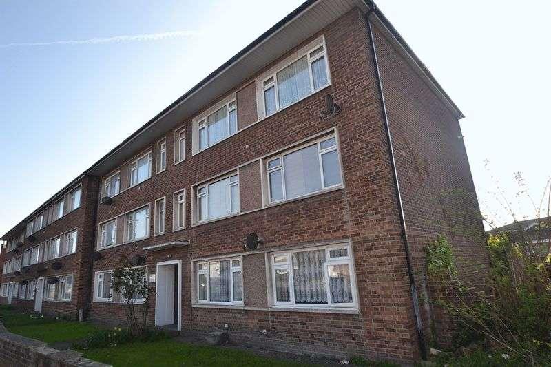 2 Bedrooms Flat for sale in Dagenham