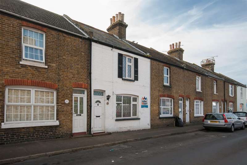 3 Bedrooms Property for sale in Westfield Road, BIRCHINGTON