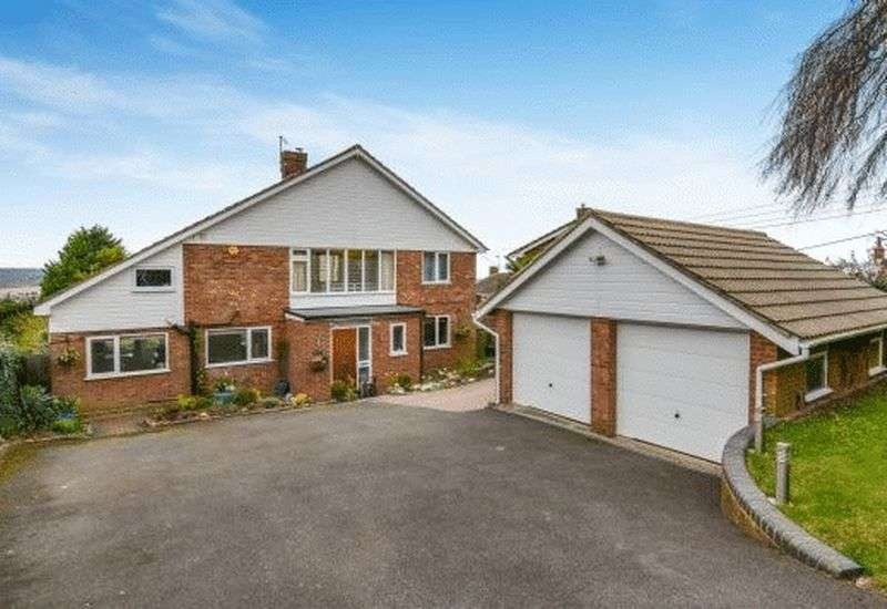 4 Bedrooms Detached House for sale in Loosley Row
