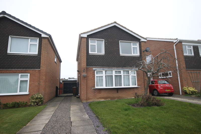 3 Bedrooms Detached House for sale in Saddlers Close, Burbage