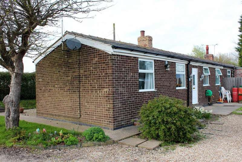 2 Bedrooms Semi Detached House for sale in Main Road, Friskney, Boston