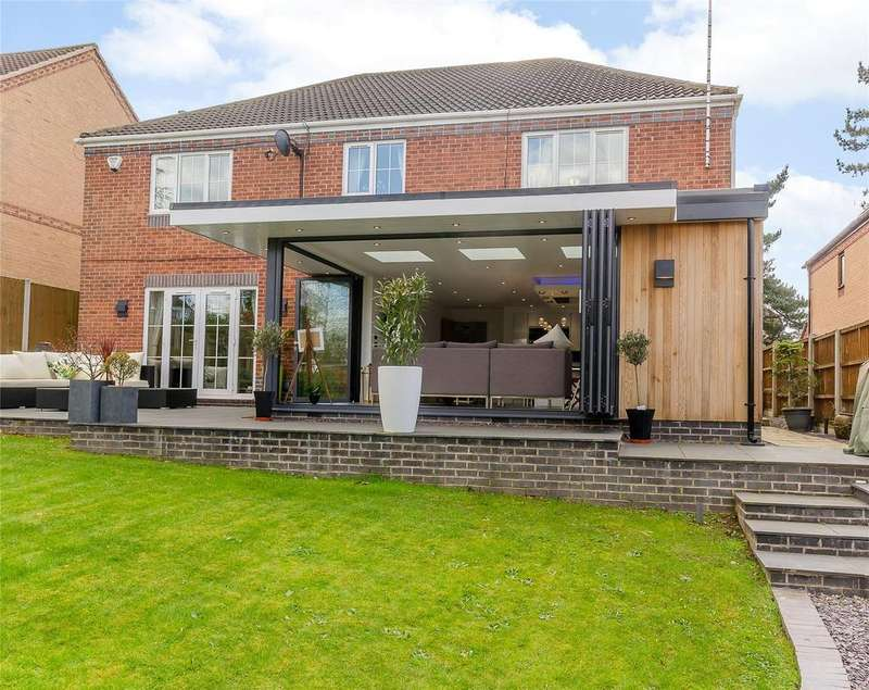 5 Bedrooms Detached House for sale in Lambourne Close, Bramcote, Nottingham, NG9