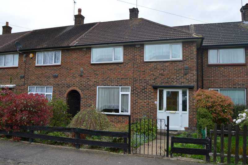 3 Bedrooms Terraced House for sale in Wednesbury Green, Harold Hill