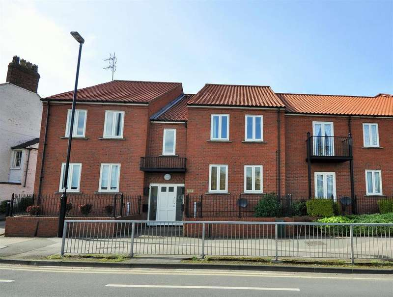 2 Bedrooms Apartment Flat for sale in Monkbridge Court, Monkgate, York