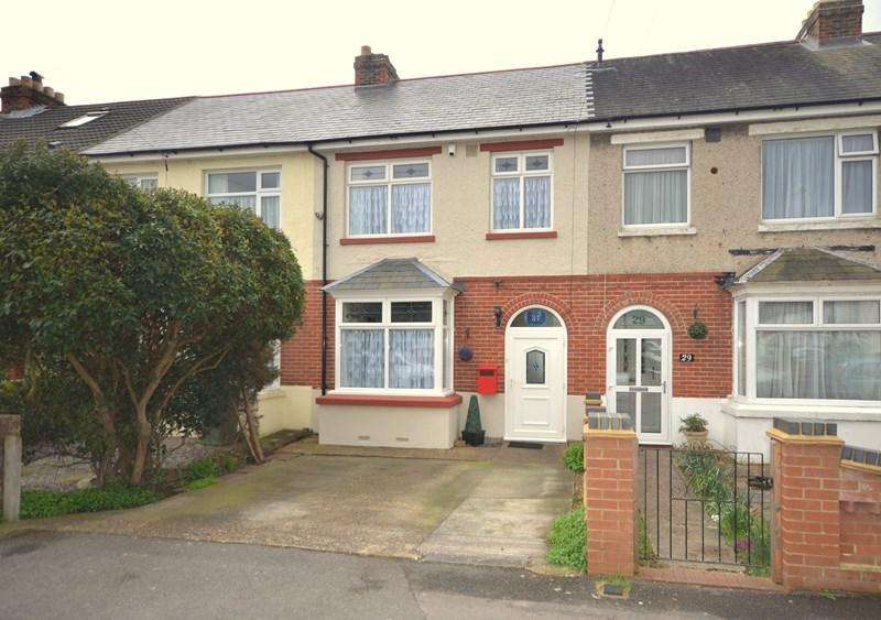3 Bedrooms Terraced House for sale in Central Road, Portchester, Fareham