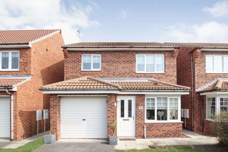 3 Bedrooms Detached House for sale in Lowestoft Way, Redcar
