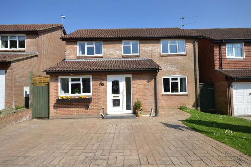 4 Bedrooms Detached House for sale in Waverley Drive, South Wonston, Winchester, SO21
