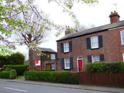 3 Bedrooms Semi Detached House for sale in Heath Road, Penketh, Warrington, Cheshire
