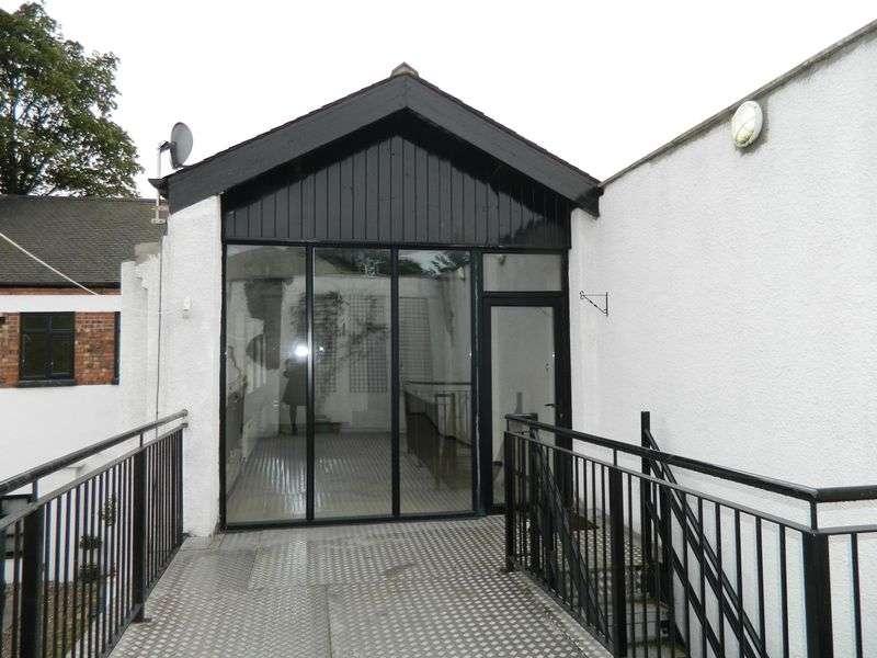 2 Bedrooms Flat for rent in Hucknall Road, Nottingham